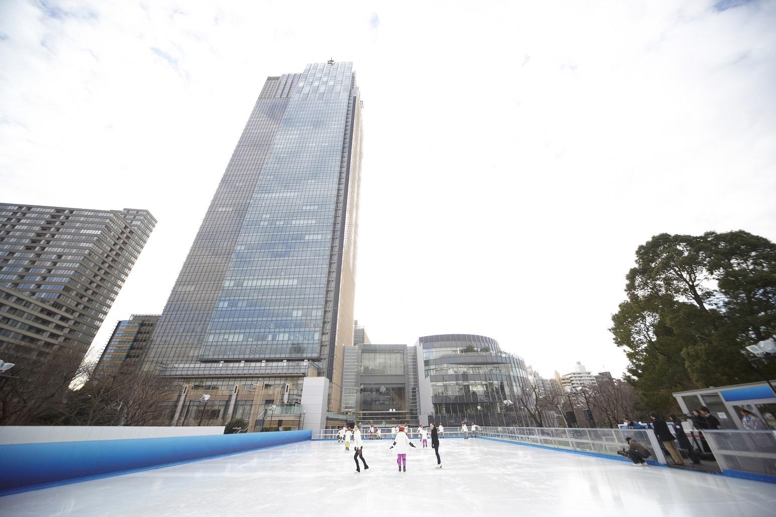 三井不動産 Ice Rink in Tokyo Midtown (article by amuzen)