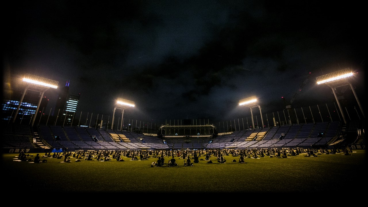 jingu stadium night yoga 2017
