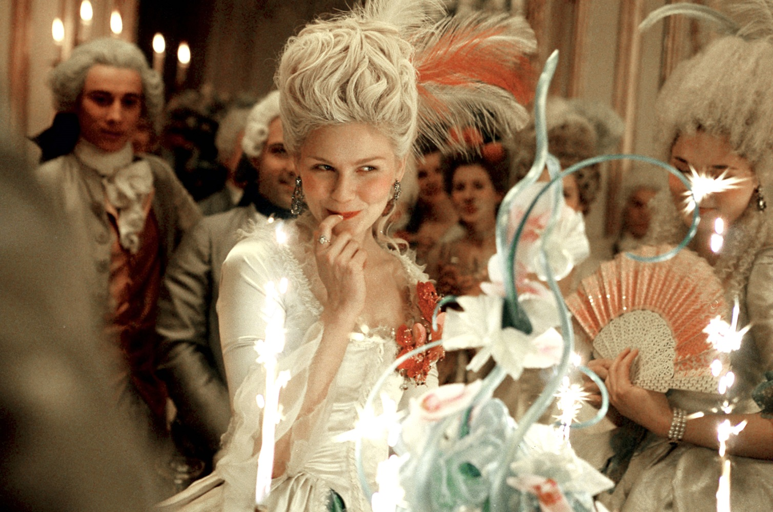 MARIE ANTOINETTE, Kirsten Dunst, 2006. ©Sony Pictures/courtesy Everett Collection