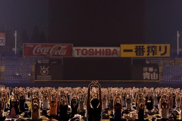 神宮スタジアム ナイトヨガ2019